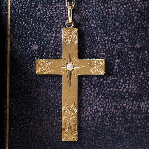 18金シードパール 蝶の彫りのクロス
