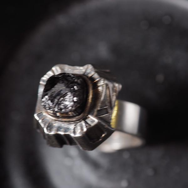 サルパネヴァ 1970s ブラックストーンリング