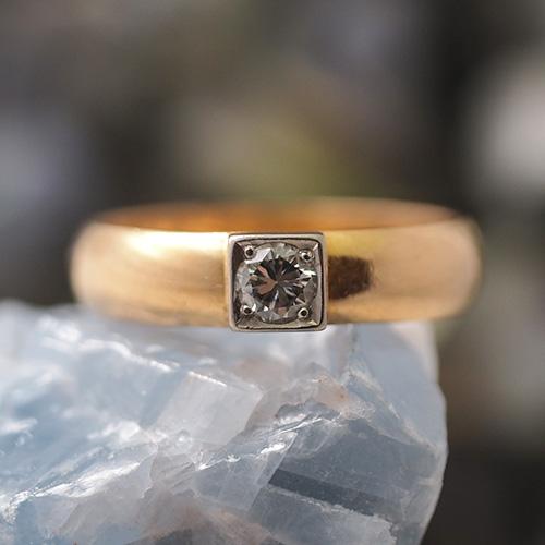 18金 スウェーデン スクエアセッティング ダイヤモンド ソリティアリング